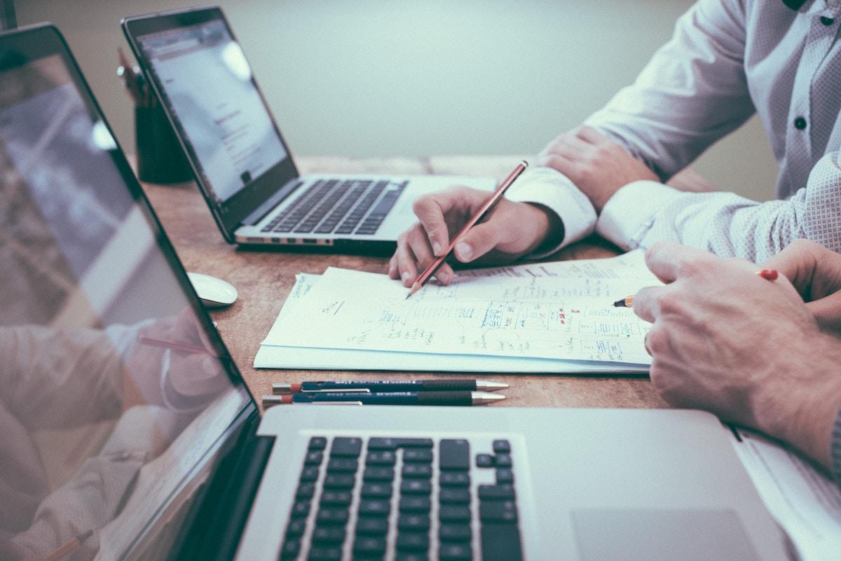 Cómo organizar gastos variables de la empresa