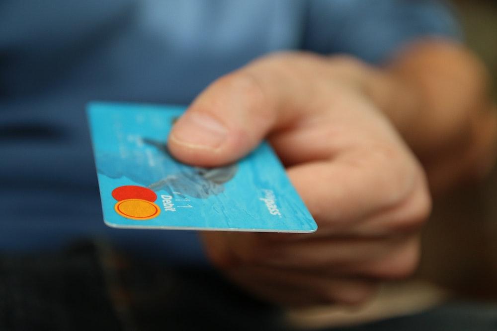 Te beneficia consolidar tus deudas