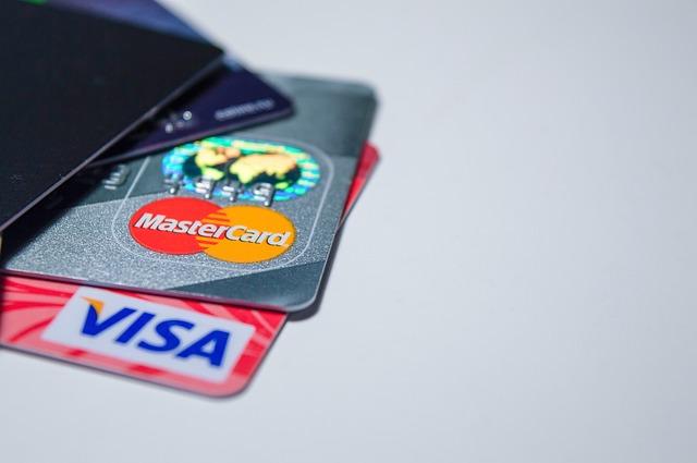 Tarjetas de crédito y pagos