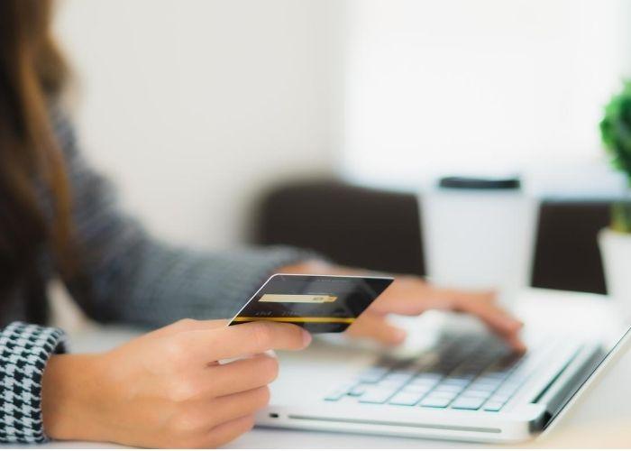 Por qué no debes pagar el pago mínimo